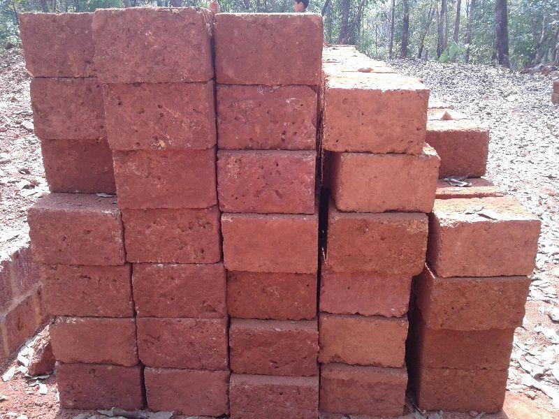 Laterite building bricks
