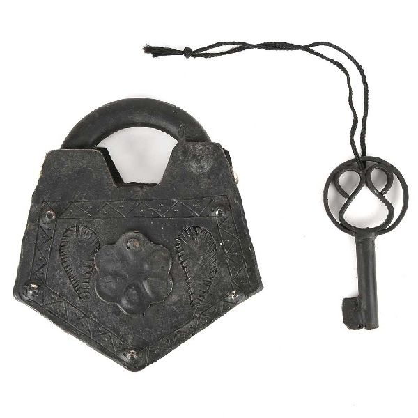 Indian Old Iron Hand Handmade Lock and Key Working
