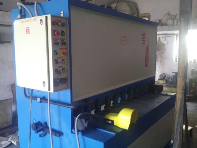 Semi Automatic Hydraulic Shearing Machine