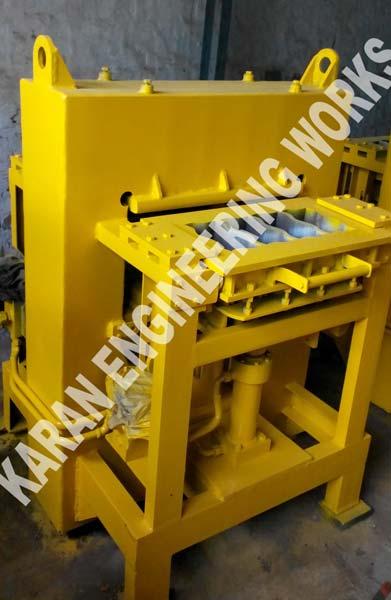 4 Block Type Interlocking Paver Block Making Machine