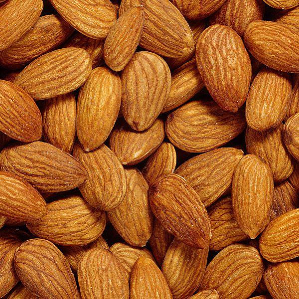 Dried Quality Almond Nuts