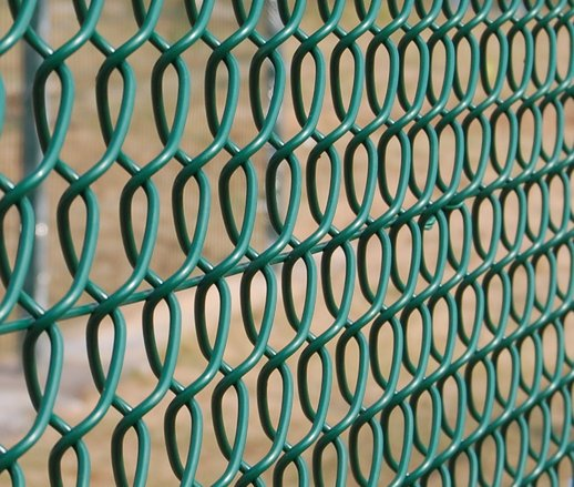 How to keep a cat inside a chain link fence