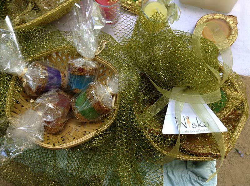 Diwali gift hampers wholesale suppliers bangalore india id 667522 diwali gift hampers nh001 negle Image collections