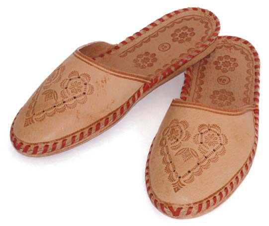 dcde45e0301 Ladies Leather Slippers Manufacturer in China by Sichuan Pengxi ...