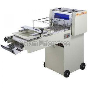 Semi Automatic Dough Moulder