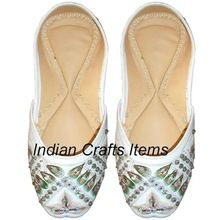 Women Bedead Shoes