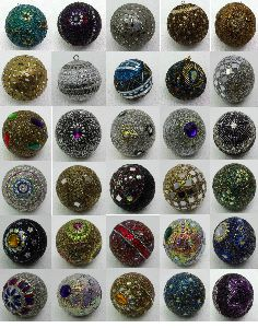 Lac Crafted Christmas Decorative Balls