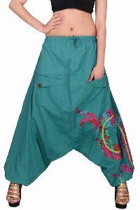 Cotton Women Solid Party Wear C.green 2 Pockets Trouser