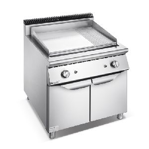 Gas 2/3 Flat 1/3 Grooved Griddle With Cabinet