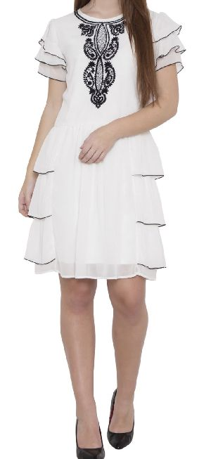 Elv/0005 - White Layered Dress