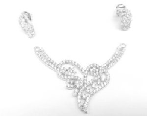 NECKLACE SET  PRESENT GPS01 18K GOLD PLATED PEARL//CZ CRYSTALS EARRINGS