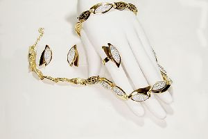 Gold Plated Loop Shaped Necklace Set