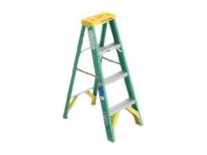 FIBERGLASS SINGLE STEP LADDER
