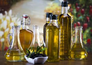 Premium Quality Extra Virgin Olive Oil. Organic Extra Virgin Olive Oil. 100%
