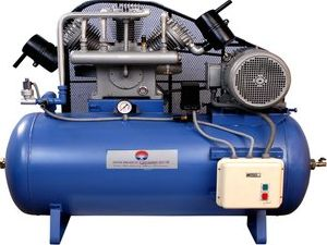 Oil Injecting Reciprocating / Piston Air Compressor