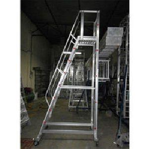Aluminium Trolley Ladder 01