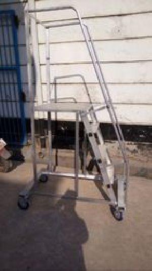Aluminium Trolley Ladder 02