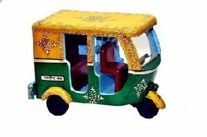Embossed Hand Painted Wooden Handicraft Auto Rickshaw Toy