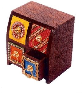 Multicolor Standard Paper Mache Handicraft Drawers