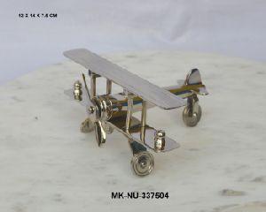 Aeroplane clip