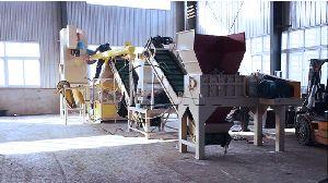 Waste plugs crushing and sorting Machine