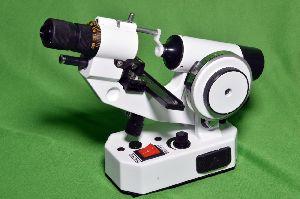 Digital Lensmeter SLK-5600 & Auto Refractometer Matronix