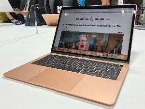 Apple Macbook Pro 15 Inch Series / Notebook