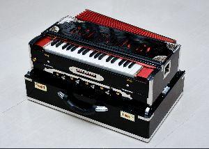 royal black harmonium3