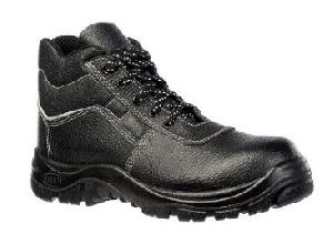 Safety Shoes Suppliers, Manufacturers & Exporters UAE - ExportersIndia