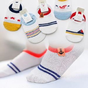 Socks - Manufacturers, Suppliers & Exporters in India