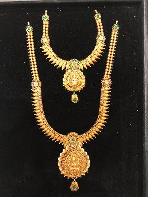 South Indian Traditional Gold Necklace Set Manufacturer In