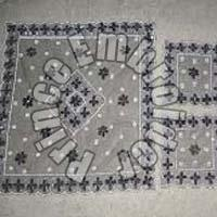 Embroidered Table Runners (02)