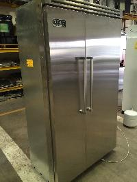 Viking 48 Vcsb483ss Built In Side By Side Refrigerator..