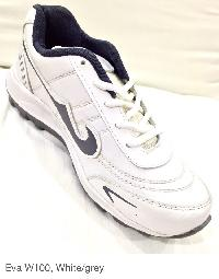 W100 Sport Shoes