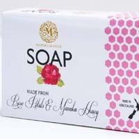 Manuka Honey And Rose Petals Soap