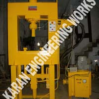 D-Mould Type Interlocking Paver Block Making Machine