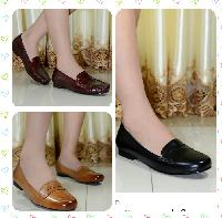 Ladies Leather Flats Shoes