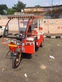 N-5 Solar Electric Rickshaw