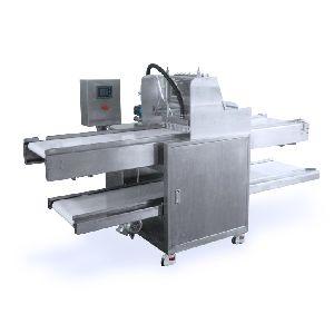 Biscuit Feeding Machine