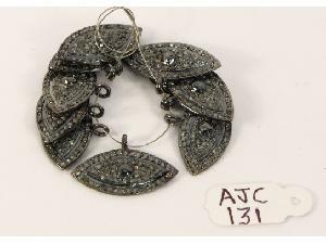 AJC0131 Antique Style Charm