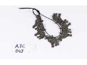 AJC043 Antique Style Charm