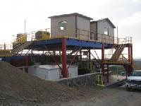 Raised Access Platforms for Top-Loading Trucks and Machinery