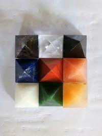 9 grah Pyramid Plate
