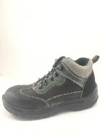 10 Safety Boots