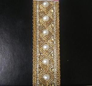 Diamond Pearl Crochet Laces