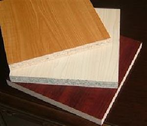 FILM FACED PARTICLE BOARD