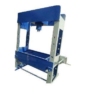 150 Ton Door Type Hydraulic Press