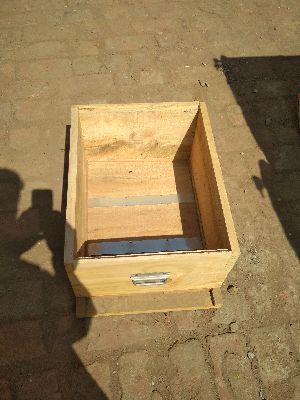 Bee box supplier