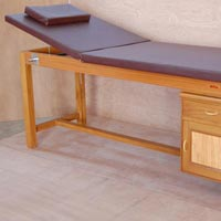 Massage Cum Treatment Table