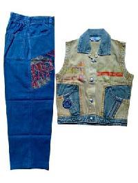 Boys Suit (ngc 577)